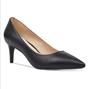 Nine West Women's SOHO Leather heel Black, 8.5 M